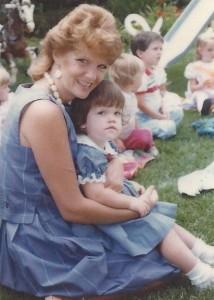 j& MOM