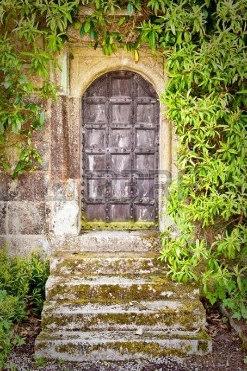 10227451-medieval-doorway